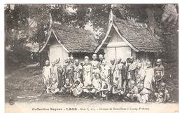Cpa LAOS  Groupe De Bonzillons A Luang-prabang  Collection Raquuez Serie F N.5      -T- - Laos