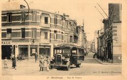 59. CPA. MAUBEUGE.  Rue De France,  Autocar Citroen Ligne Lille-maubeuge, Commerces. - Maubeuge