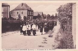 La Chapelle De Saint Sauveur Procession De La Fête Dieu - France