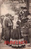 CPA - ROSPORDEN 29 Finistère - Noce Bretonne - Le Repos De La Gavotte Costumes De Mariés - Coll. Villard Quimper N°1997 - Noces