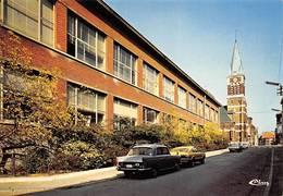 Charleroi Voitures Peugeot 404 église école - Charleroi
