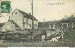 18 MAILLEBOIS. Le Moulin Et Un Pêcheur Sur La Leu Vers 1911 - Chateauneuf Sur Cher