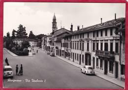 CPM ITALIE RIVIGNANO  Via Umberto ( Voitures Ed. Viola Candido  ( Teor - Udine