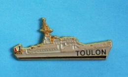 1 PIN'S //  ** MARINE NATIONALE FRANÇAISE / LE COMMANDANT BIROT / AVISO TYPE A 69 / TOULON ** . (P.F.  FIA) - Barcos