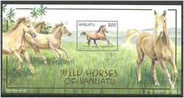 Vanuatu 2002 Wild Horses Of Vanuatu  Mi Bloc 43  MNH(**) - Vanuatu (1980-...)