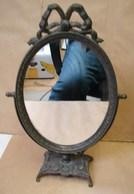 Lot. 1192. Petit Miroir Ovale Basculant Pour Meuble, Coiffeuse Ou Salle De Bain - Art Populaire