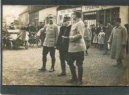 Carte Photo - Joffre Et Officiers, Animé - Automobile - Guerra 1914-18