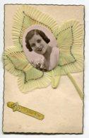 STE SAINTE CATHERINE 0021 Systeme Tirette Effet POP  UP Relief  Portrait  Jeune Fille Fleur Mousseline Verte  écrite - Santa Catalina