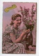 STE SAINTE CATHERINE 0046  Jeune Fille Bouquet Fleurs Avec Petits Brillants - Santa Catalina