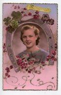 STE SAINTE CATHERINE 0047  Jeune Fille Fer à Cheval  Fleurs Avec Petits Brillants - Santa Catalina