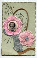 STE SAINTE CATHERINE 0062 Carte Systeme Tirette Effet POP  UP   Portrait Femme  S'avancant  Corbeille  Petits Brillants - Santa Caterina