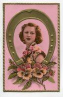 STE SAINTE CATHERINE 0072  Gaufrée Fer à Cheval Or  Portrait Jeune Fille  Fleurs - Santa Catalina