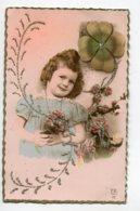 FANTAISIE AJOUTIS   0099    Fillette Et Son Bouquet De Fleurs Réhaussées De Petits Brillants - Móviles (animadas)