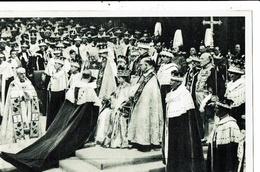 CPA-Carte Postale-Royaume-Uni- Couronnement D'Elisabeth II Le Duc S'incline Devant La Reine 1953-VM9920 - Royal Families