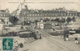 CPA 56 Morbihan Lorient Le Pont Tournant Et Un Coin Du Cours Des Quais Soldats Marin Série A Genre I - Lorient
