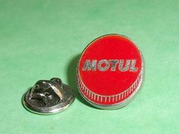 Pin's / Automobile : Huile Motul  TB2CC - Andere