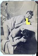 PHOTO ALBUMINEE SEPIA MONTEE SUR CARTO MINCE,  FIN XIX - DEBUT XXeme EROTIQUE  PORNO FEMININ  NU NUDE Dim.:9.80X13.60cm - Belleza Feminina (...-1920)