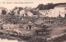 Louhans       71      Place Du Château. Jour De Foire        (voir Scan) - Louhans