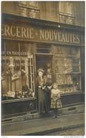 CPHP2   75 PARIS 10  .CHAPELIERE  MERCERIE DRAPERIE  193  Fg POISSONNIERE  En 1908 CARTE PHOTO  De SERRE à Paris - Arrondissement: 10