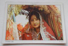 "India Inde Bollywood Star Hema Malini In Bride Costume En Costume De Mariée ""Dulhan"" Movie 1973 - Attori"