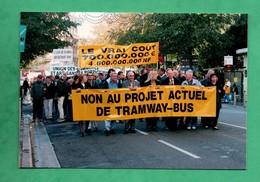 06 Nice  Novembre 2003 Avenue Malaussena  Manifestation Contre Le Futur Tramway  (photo Georges Martret) 100 Exemplaires - Transport Urbain - Auto, Autobus Et Tramway