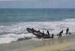 Bénin - Dahomey - Retour De Pêche - Bateau - Barque - Pêcheurs - Benin