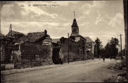 Cp Montdidier Somme, L'Hopital, Ruine, Vue Extérieure, Rue, Passants - Autres Communes