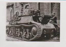 Grande Photo  Ww2 Char  Hotchkiss  Dans Rue    Cliché Forces Armes Bruxelles  Soldats Allemand Guerre 39 45 - War, Military