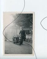PHOTO A IDENTIFIÉE.  Moto . NORTON , GILERA , B.S.A , Vespa Scooter - Cars