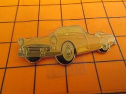 313c Pin's Pins / Beau Et Rare : Thème AUTOMOBILES / VOITURE AMERICAINE DECAPOTABLE ANNEES 50/60 - Andere