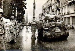Guerre 39 45 : Libération De Belfort (90). Les Chars Entrent Dans La Ville - Guerre 1939-45