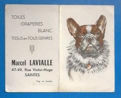 """17 - SAINTES - PUBLICITÉ ANCIENNE - PETIT CALENDRIER 1955 - COMMERCE  TISSUS """"LAVIALLE"""", 47 RUE V. HUGO -CHIEN - Saintes"""
