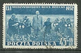 POLAND Oblitéré 651 Journée Internationale De L'enfance Enfant Enfants  Président Bierut Avec Un Groupe De Jeunes - 1944-.... Republiek