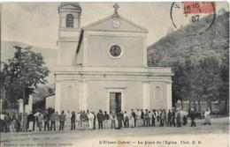 D38 - L'ALBENC - LA PLACE  DE L'EGLISE - Nombreuses Personnes  Devant L'église - Belle Animation - L'Albenc