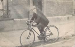Cyclisme - Homme Sur Son Vélo, Carte Photo 1913 - Ciclismo