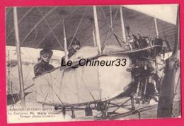 80 - LONGPRE LES CORPS SAINTS---Le Chef Pilote Ph-Marty Emmenent Un Passager (biplan Caudron ) - Aviatori