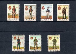Timor Nº 335-41 Uniformes Militares, Serie Completa En Nuevo 7 € - Militares
