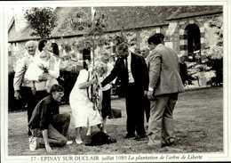 """76-le Canton De  DUCLAIR-serie """"actualites"""" EPINAY SUR DUCLAIR Juillet 1989 Plantation De L'arbre De   CPSM.G.FROMAGER.. - Francia"""