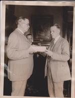 Filatelia NEW ELEVEN CENT US POSTAGE STAMP ML EIDSNESS RUTHERFORD B HAYES  21*16CM Fonds Victor FORBIN 1864-1947 - Fotos