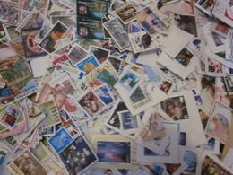 Monde - Lot De Plus De 1000 Timbres Sur Fragments Et Décollés - Stamps
