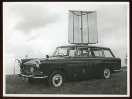 Original Photograph - Post Office Telephones - Television Detector Car - C.1960s (21 X 16cm) - Autres