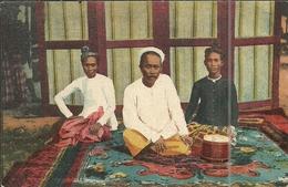 ( ASIE )( MYANMAR )( BIRMANIE ) UOMINI BIRMANI - Myanmar (Burma)