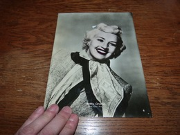 CB15F3   Photo 17x23 Betty Grable - Non Classés