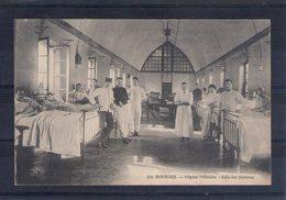 18. Bourges. Hôpital Militaire. Salle Des Fiévreux - Bourges