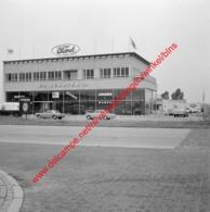 Etn Denayer Ford Garage In Juli 1966 - Photo 15x15cm - Bisschoppenhoflaan Deurne - Automobiles
