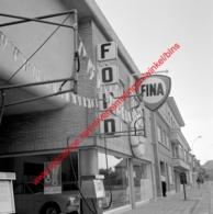 Ford Garage In Juli 1966 - Photo 15x15cm - Fina - Automobiles