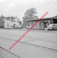 Etn A. A Van Den Poel Ford Garage In Juli 1966 - Photo 15x15cm - Automobiles