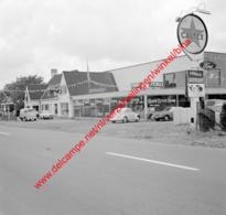 Ford Garage F. Durie In Juli 1966 - Photo 15x15cm - Caltex - Automobiles
