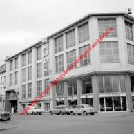 Ets P. Plasman Ford Garage In Juli 1966 - Photo 15x15cm - Esso Brussel Bruxelles Rue Grisard Straat Rassinistraat - Automobiles