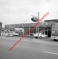 Genk Motor Ford Garage In Juli 1966 - Photo 15x15cm - Automobiles